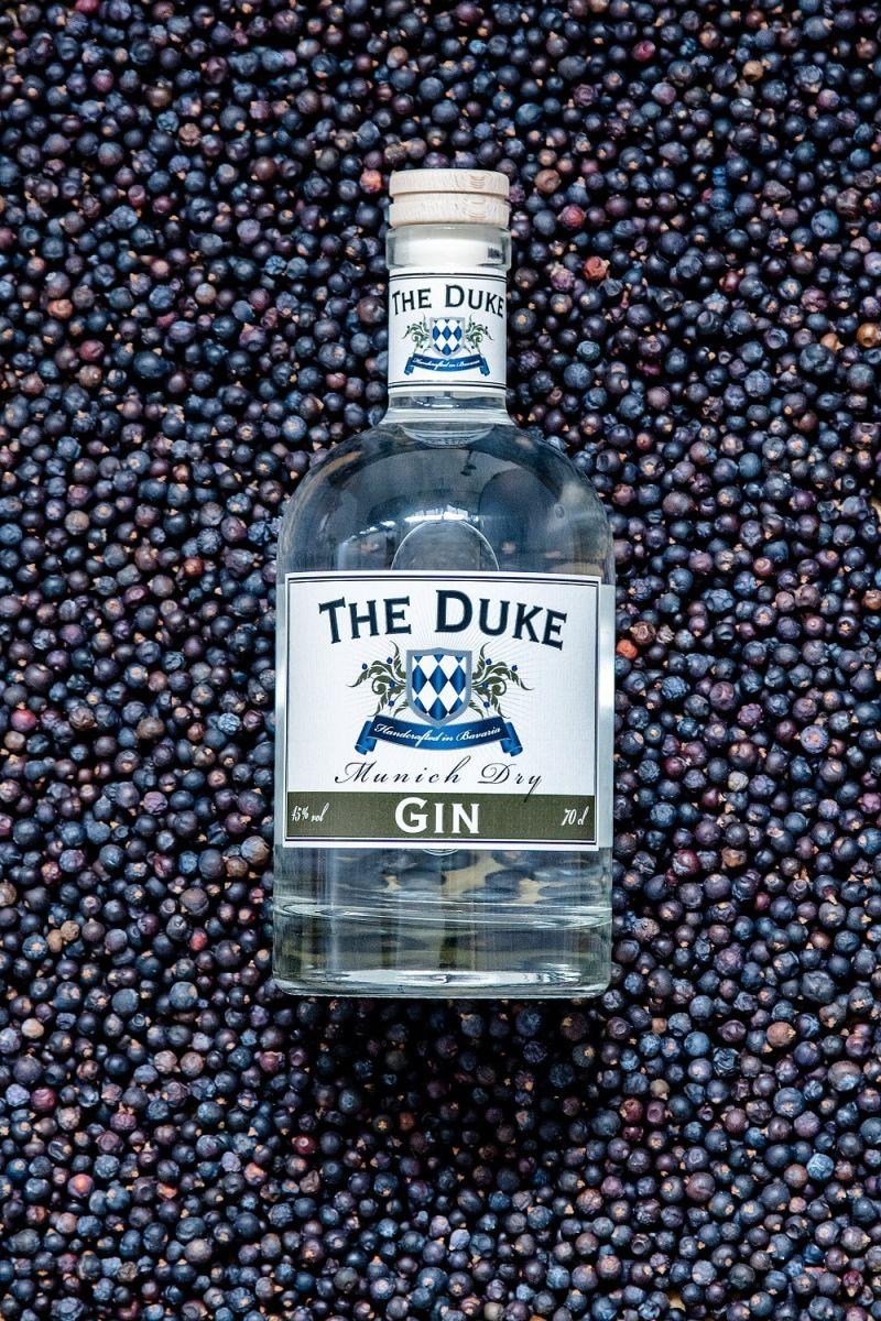 THE DUKE Gin in Wacholderbeeren