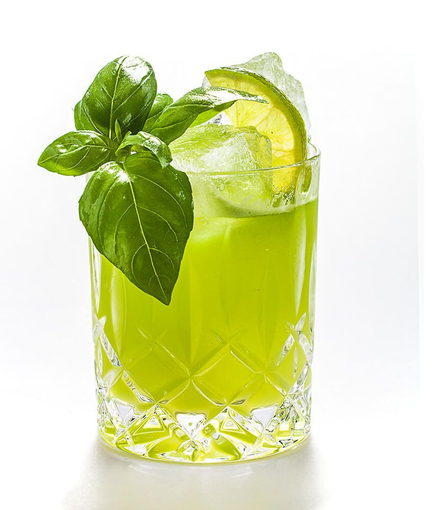 Gin Basil Smash Drink von THE DUKE Gin