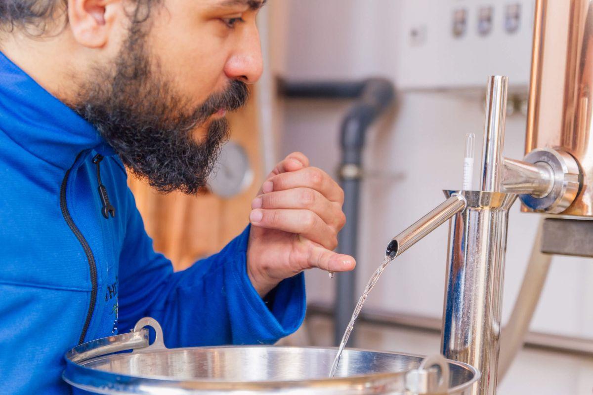 Bei der Gin Probe wird die Qualität des Destillats überprüft
