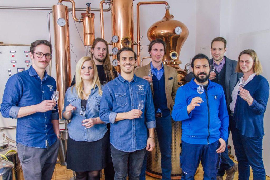 Mitarbeiter und Team von The Duke Gin aus München
