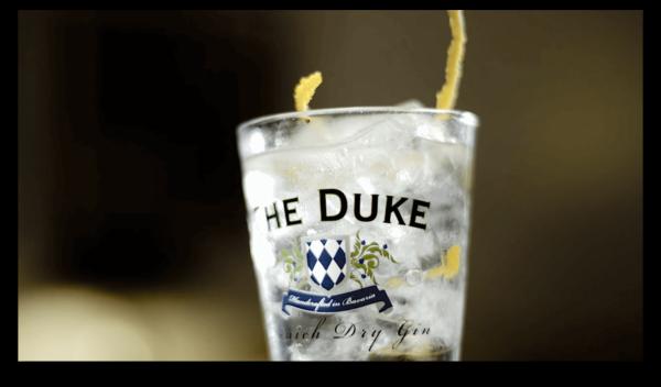 Gin Tonic_Glas_THE DUKE Gin