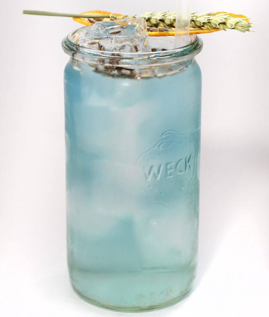 Gin Longdrink mit Lavendel und Banane