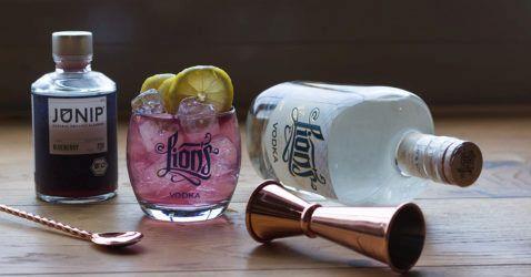 LIONs Vodka mit Junip Blueberry Infuser Blogartikel