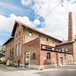 Gebäude der THE DUKE Destillerie in Aschheim