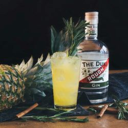 """Asasanas"" Cocktail mit THE DUKE Rough Gin"