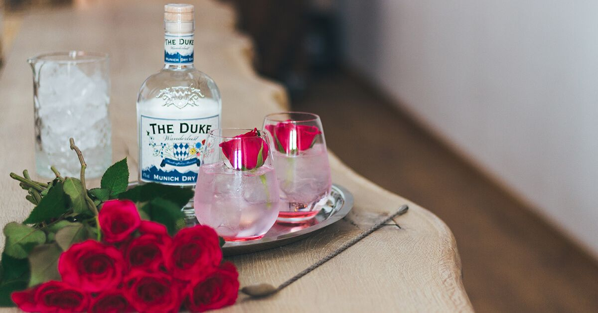 THE DUKE Wanderlust Gin Muttertag Cocktail Rose Garden