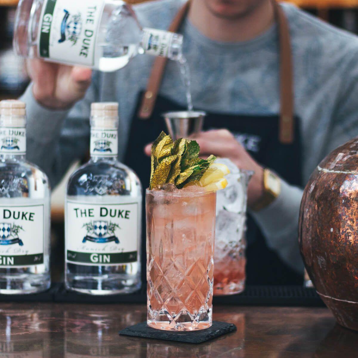 """THE DUKE Munich Dry Gin - Signature Drink """"Herzog Heinrich"""" zum 10-jährigen Jubiläum"""