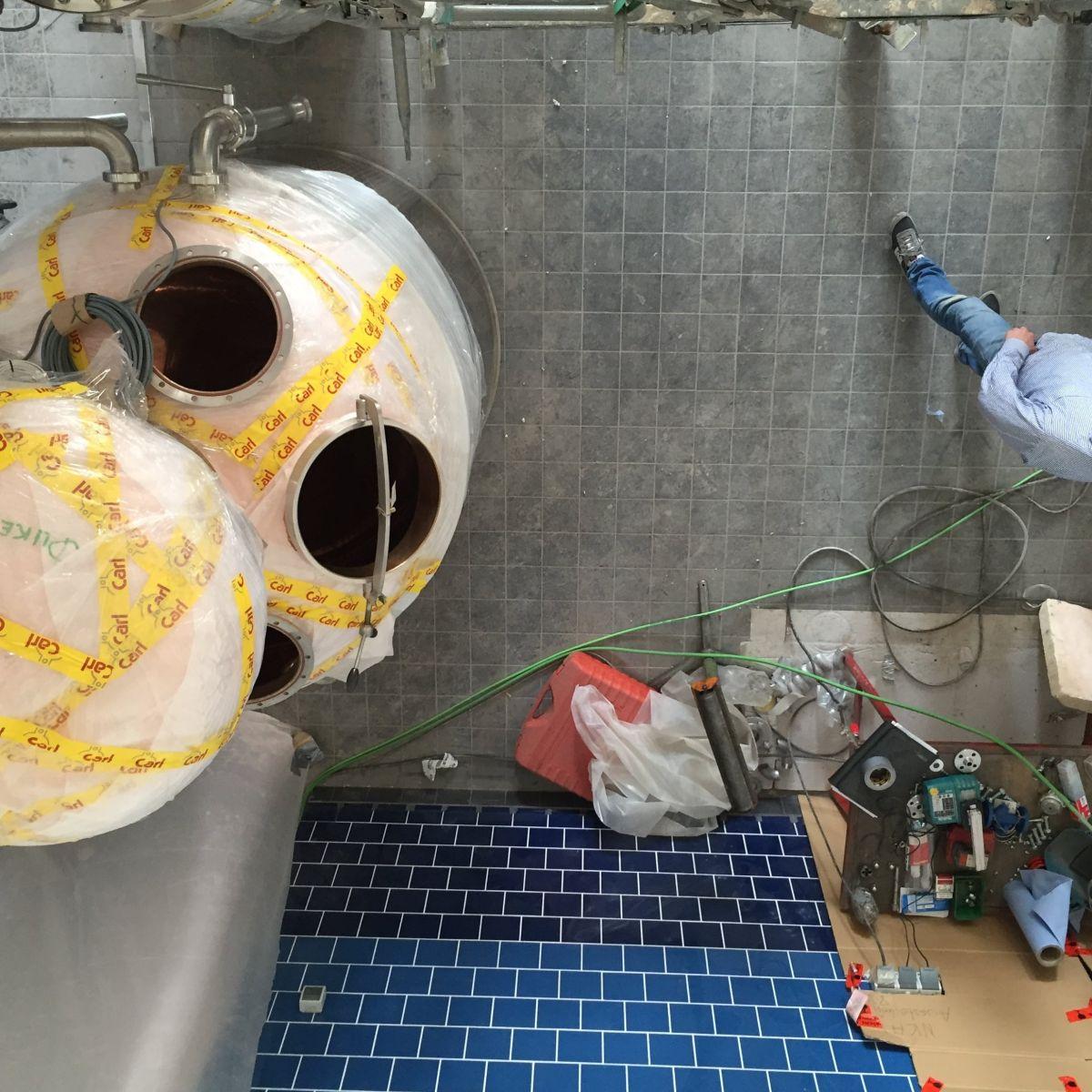 Der Aufbau der neuen THE DUKE Destillieranlage in Aschheim (Vogelperspektive)