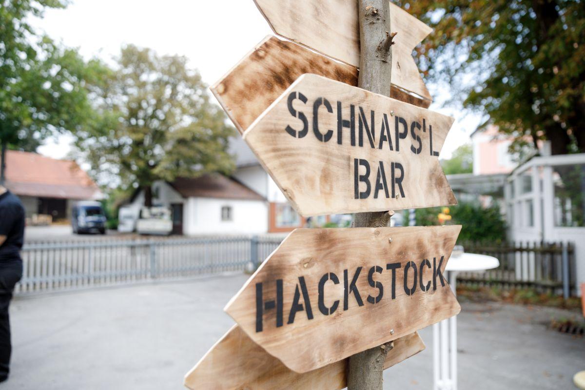 Schnapsl Bar am Tag der offenen dTür der THE DUKE Destillerie