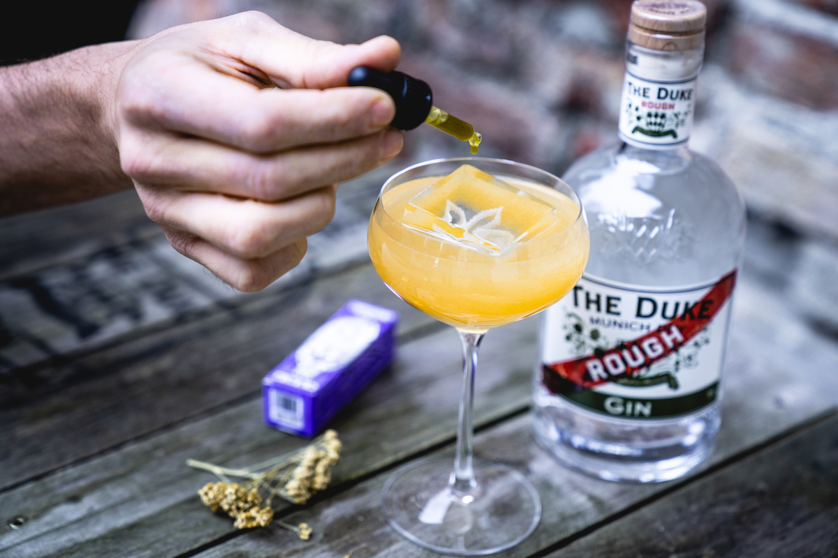 "CBD Cocktail ""The Calm"" mit THE DUKE Rough Gin und CBD Öl von Hanfgöttin"