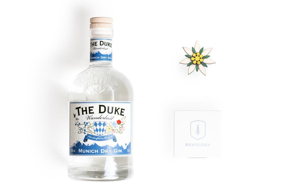Edelweiss Set: THE DUKE Wanderlust Gin 0,7l + BeWooden Edelweiss Brosche