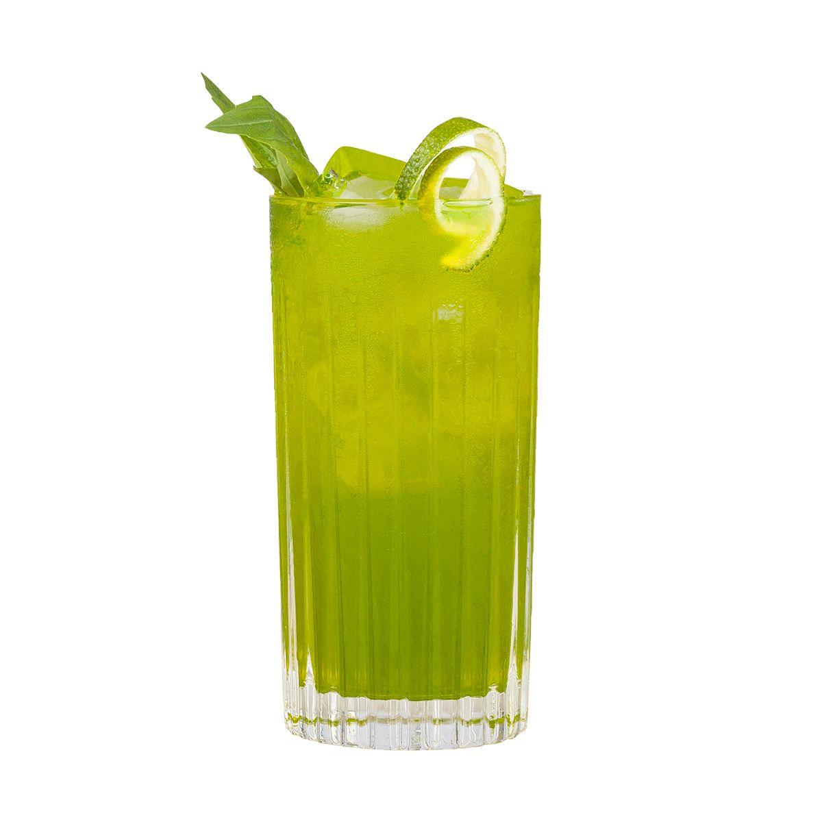 Gin Basil Mule: Longdrink mit THE DUKE Munich Dry Gin und Balis Basilikum-Ingwer-Limonade