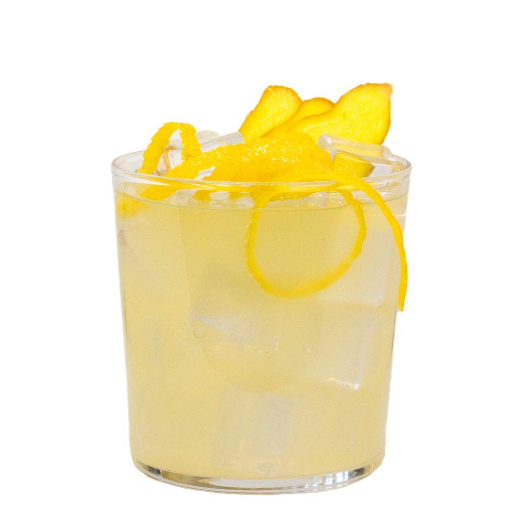 LION's Lemonade mit LION's Vodka und Eizbach Zitrone