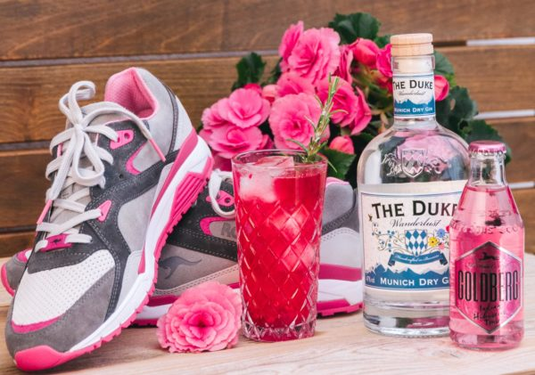 Goldberg x Kangaroos Sneaker mit THE DUKE Wanderlust Gin und Indian Hibiskus Tonic