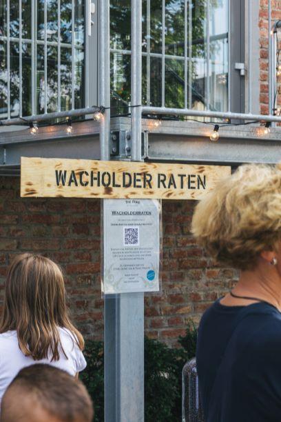 Spiele im Hinterhof der Destillerie - Wacholder Raten