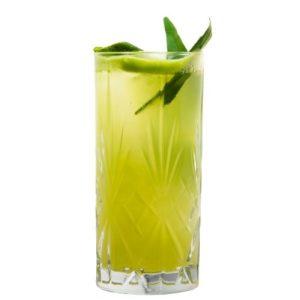 Cocktail mit Estragon und THE DUKE Munich Dry Gin