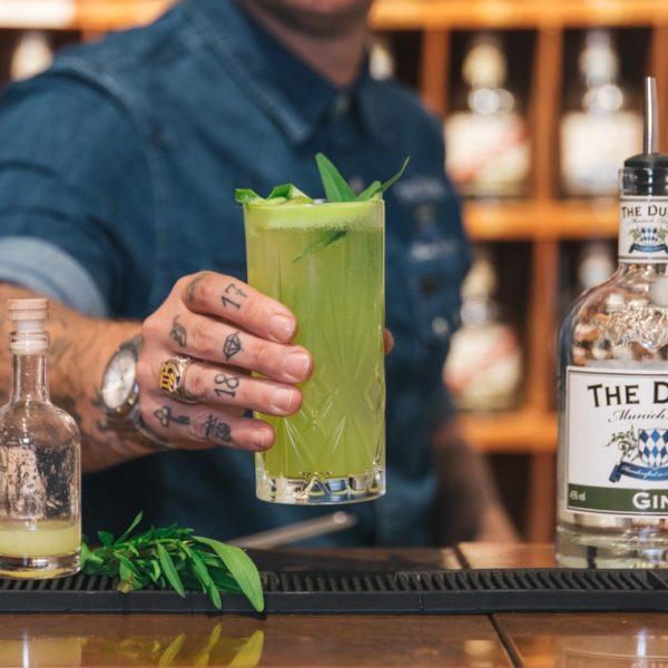 Cocktail von THE DUKE Brand Ambassador Guy