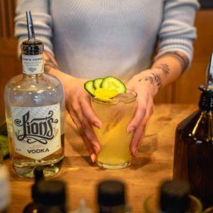 Drink mit Lion's Vodka in der Ménage Bar