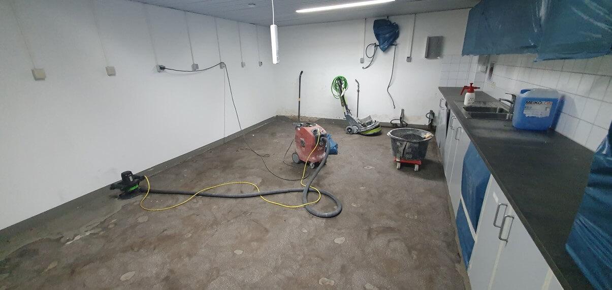 Küche im Jigger & Spoon während der Sanierung