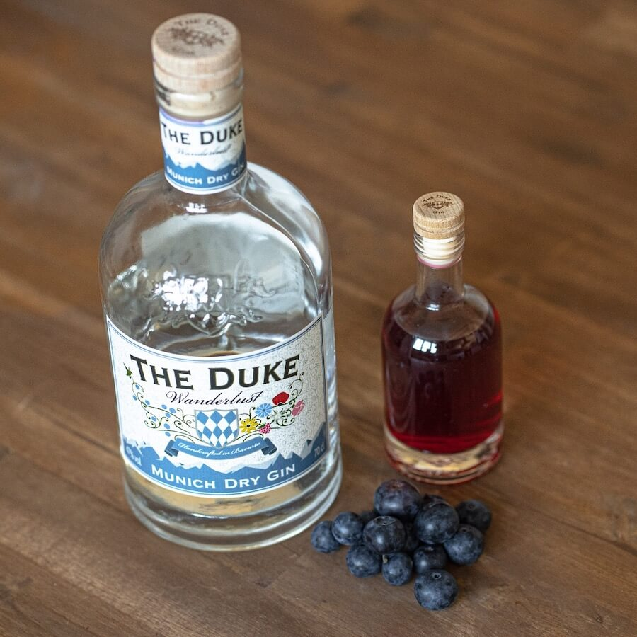 THE DUKE Wanderlust Gin infused mit Heidelbeeren