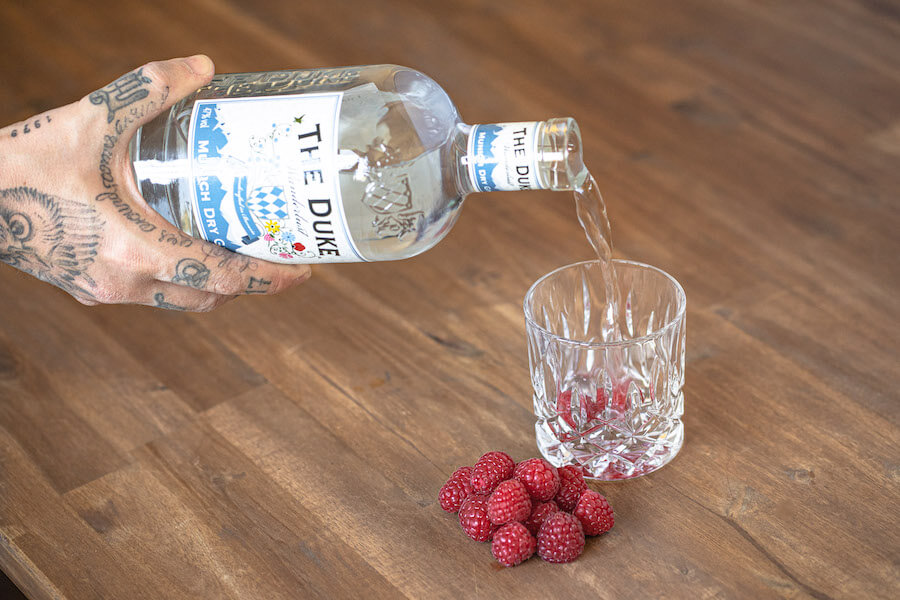 THE DUKE Wanderlust Gin infused mit Himbeeren