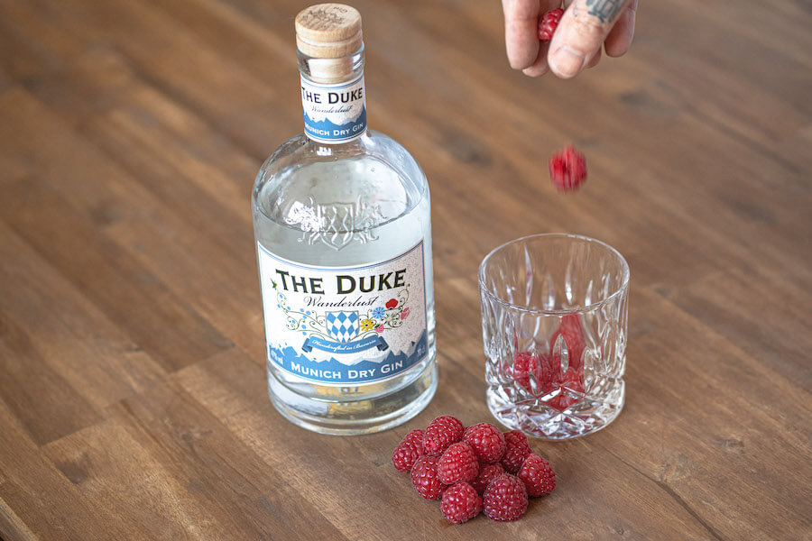 Himbeeren mit THE DUKE Wanderlust Gin infused