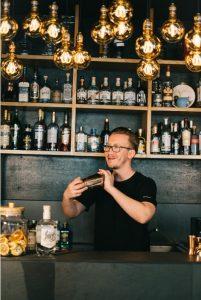Dustin Heimsoth mixt mit LION's Vodka