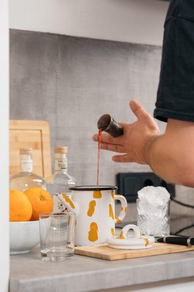 Roter Wermut in DIY Rührglas