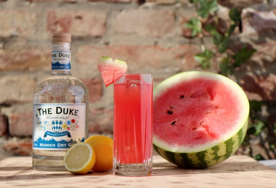 Gin Cocktail mit frischer Wassermelone und THE DUKE Gin