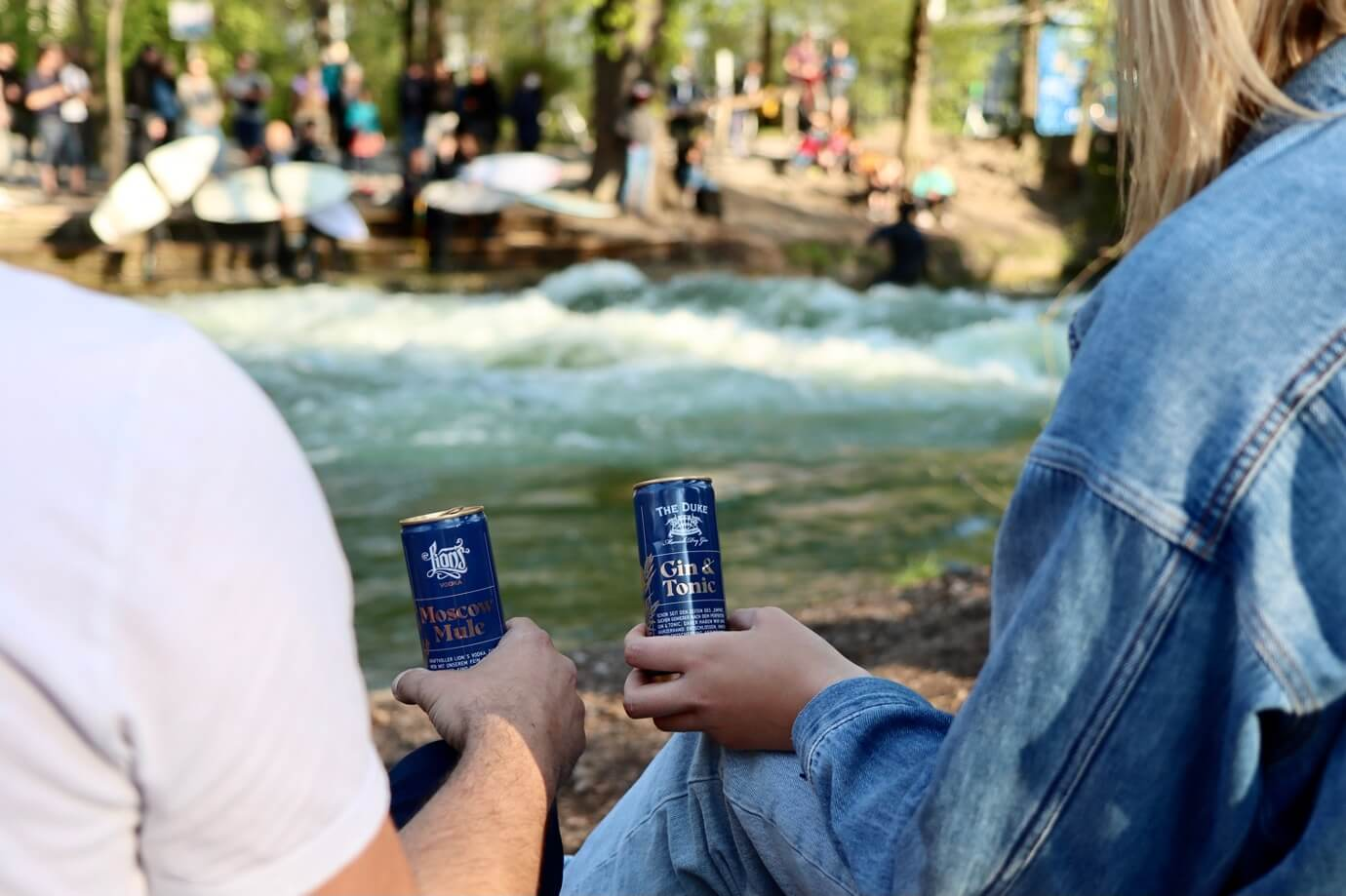 THE DUKE Gin & Tonic und LION's Moscow Mule in der Dose am Eisbach