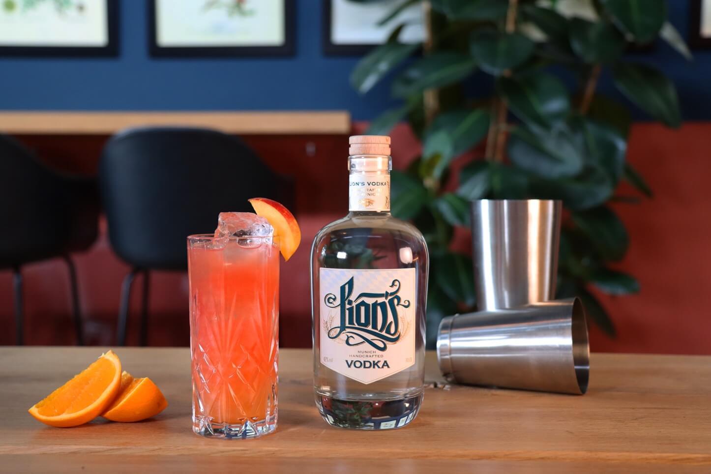 Vodka Drink Klassiker mit LION's Vodka in der The Duke Destillerie