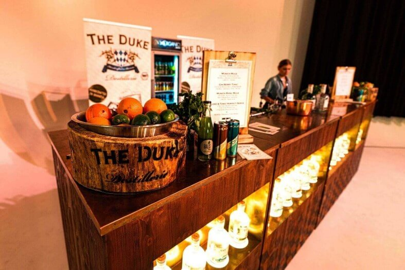 THE DUKE Event Bar auf der Something Stupid Party